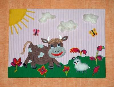 Корова на лужайке