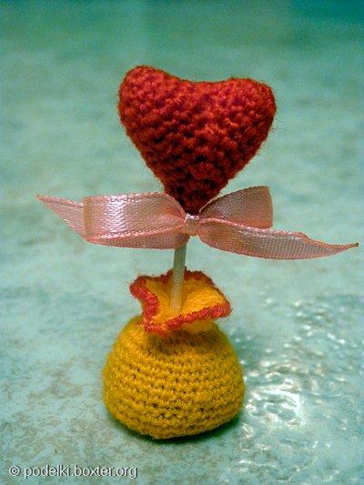 Вязанное сладкое сердечко